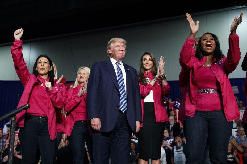美國共和黨總統候選人川普不只歧視女性,還爆出數次意圖性侵及騷擾女性。(美聯社)