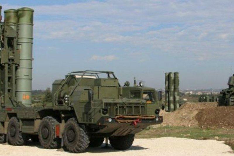 S-400防空導彈射程很遠,是俄羅斯最先進的地對空飛彈。(BBC中文網)