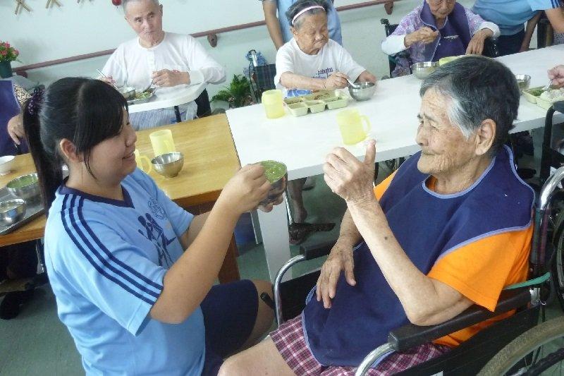 給合學校為社區長照機構是一個可以考慮的方向。(照片來源:台南市黎明中學官網)