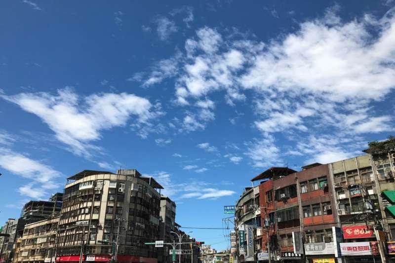 台灣勞工陣線與g0v合作追蹤591租屋網一個月,研究發現,若以基本工資者可負擔租金為收入30%來篩選,在台北市僅有700間可選擇,基本工資者可負擔的選項只佔整個租屋市場的4.9%。(資料照,呂紹煒攝)