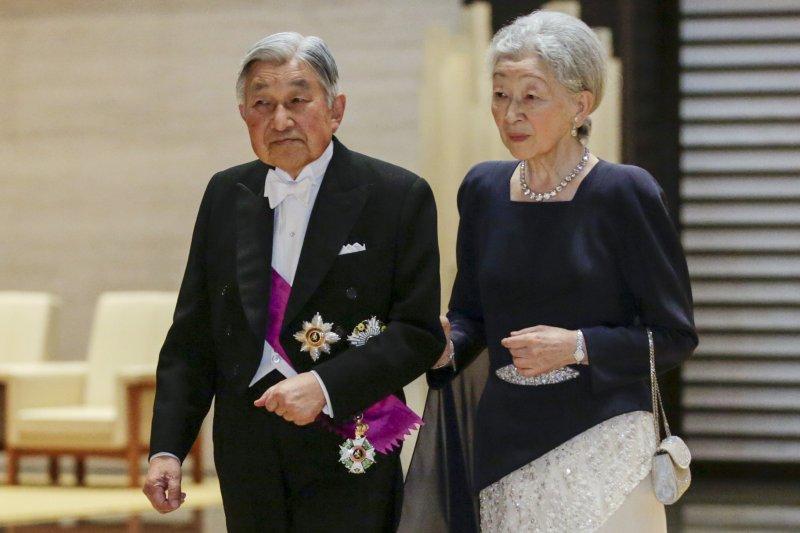 明仁天皇與美智子皇后。(美聯社)