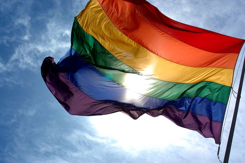 許多人面對同志議題仍有些無法接受,該怎麼辦呢?(圖/Ludovic Bertron@Wikimedia Commons)