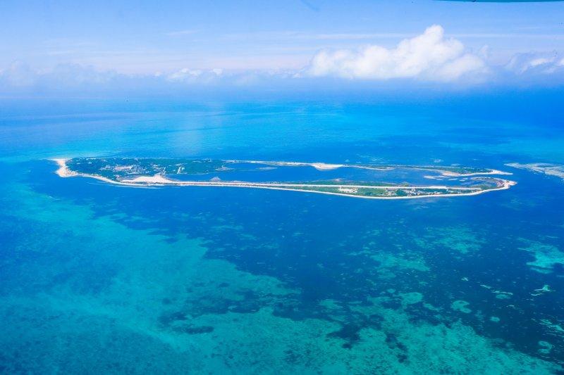 東沙環礁國家公園擁有世界級的環礁地型景緻,今年即將開放觀光。中央曾經考慮搭配「新南向」政策,規劃郵輪航線,而配套措施成為一大問題。(資料照,擷取自我最愛的國家公園)