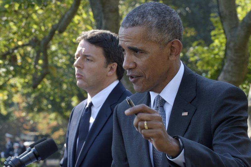 歐巴馬總統18日會晤來訪的義大利總理倫齊(Matteo Renzi),之後在白宮玫瑰花園(Rose Garden)舉行記者會(AP)