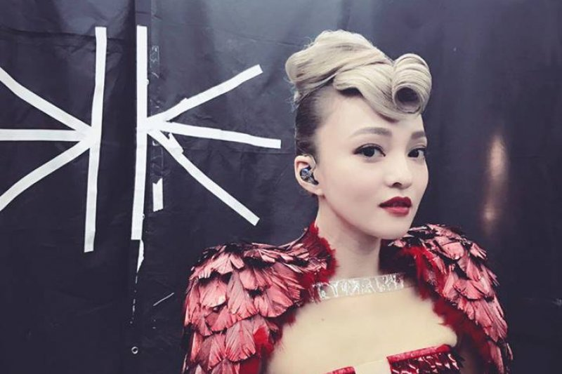 台灣藝人歐陽娜娜、張韶涵因為參加今年的央視中國國慶節目引發爭議,但其實這並非首次有台灣藝人赴中參與。(資料照,取自張韶涵臉書)