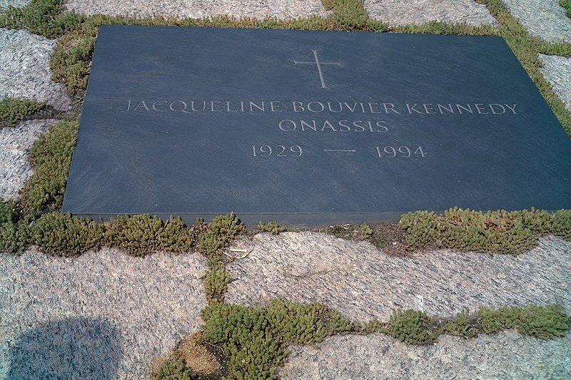 賈桂琳葬在阿靈頓公墓,長眠甘迺迪身邊。(Thylacine222@wikipedia/CC BY-SA 3.0)