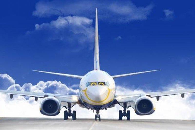 機票費用花越少,就能買更多東西或吃美食!(圖/Ryanair@facebook)
