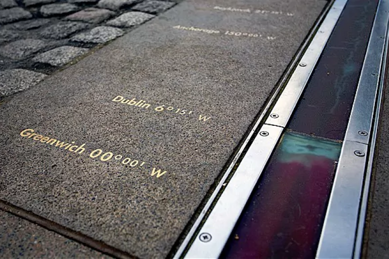通過英國格林威治的0度經線在1884年確立為本初子午線。(翻攝網路)