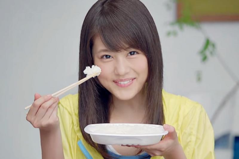 每天都要拿筷子吃飯,你用對了嗎?(翻攝自YouTube)