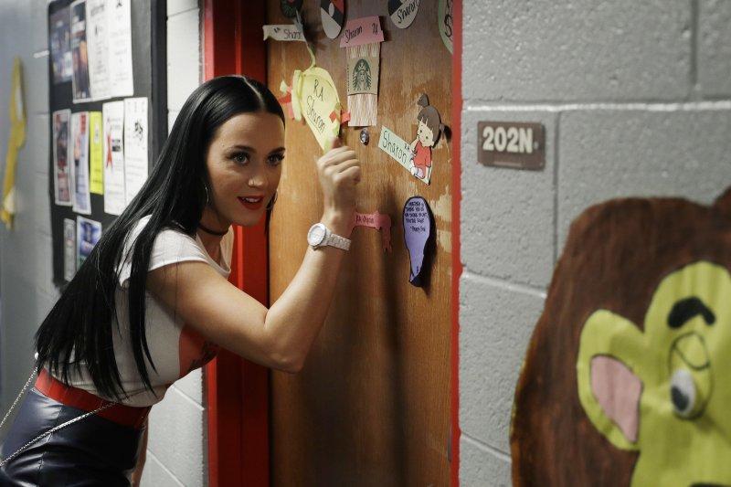 美國歌壇天后凱蒂佩芮(Katy Perry)22日到內華達大學拉斯維加斯分校(UNLV)女生宿舍為民主黨總統候選人希拉蕊(Hillary Clinton)拉票(AP)