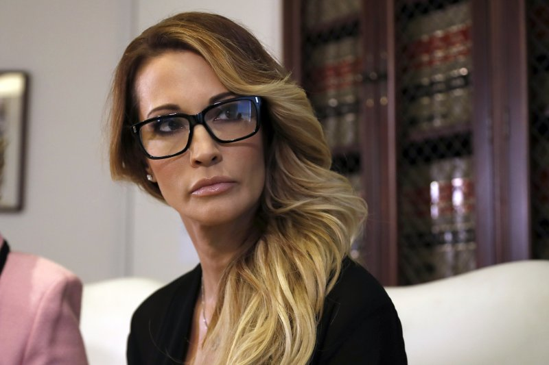 美國成人片女星德雷克(Jessica Drake)成為第11名控訴遭川普非禮的受害女性。(美聯社)