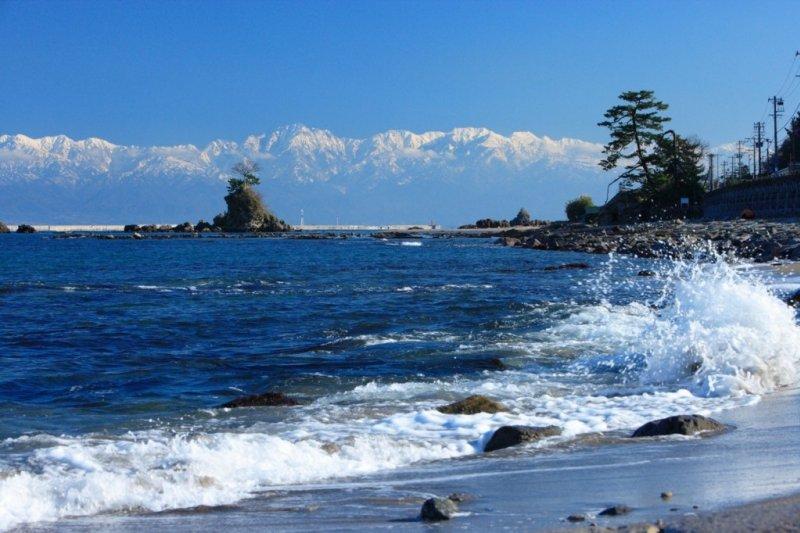 世界上最美海灣之一的富山灣。(圖/matcha提供)