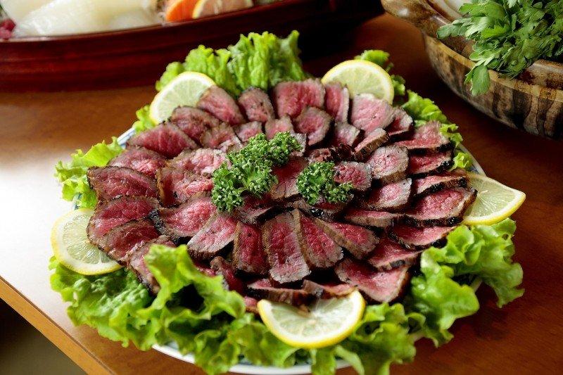 若吃紅肉真會致癌,那風險有多大?(圖/visualhunt)