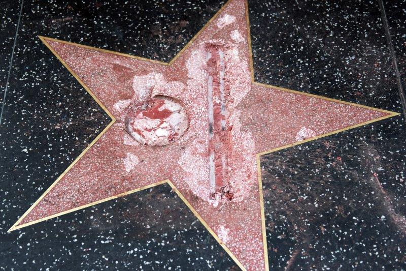 好萊塢星光大道「川普星星」遭到破壞(AP)