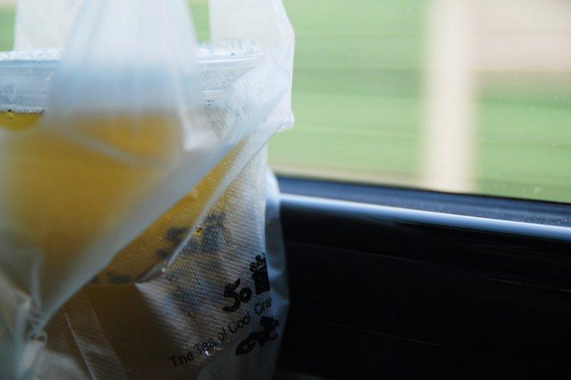 107年起,買手搖飲請隨身攜帶環保袋。(圖/Charles_DC@flickr)