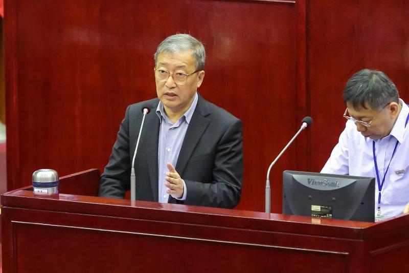 20161031-悠遊卡公司董事長林向愷31日於台北市議會備詢。(顏麟宇攝)