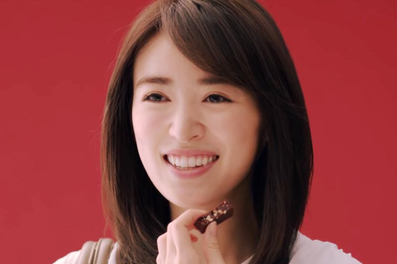 來自英國的KitKat能在有甜點王國之稱的日本打下一座江山,行銷包裝下了不少苦心。(翻攝自YouTube)