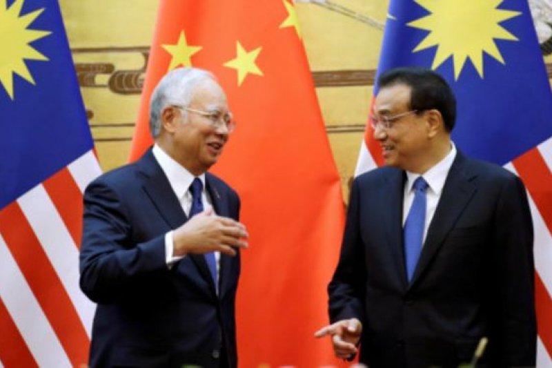 馬來西亞總理納吉布和中國總理李克強11月1日在北京舉行會談。(BBC中文網)