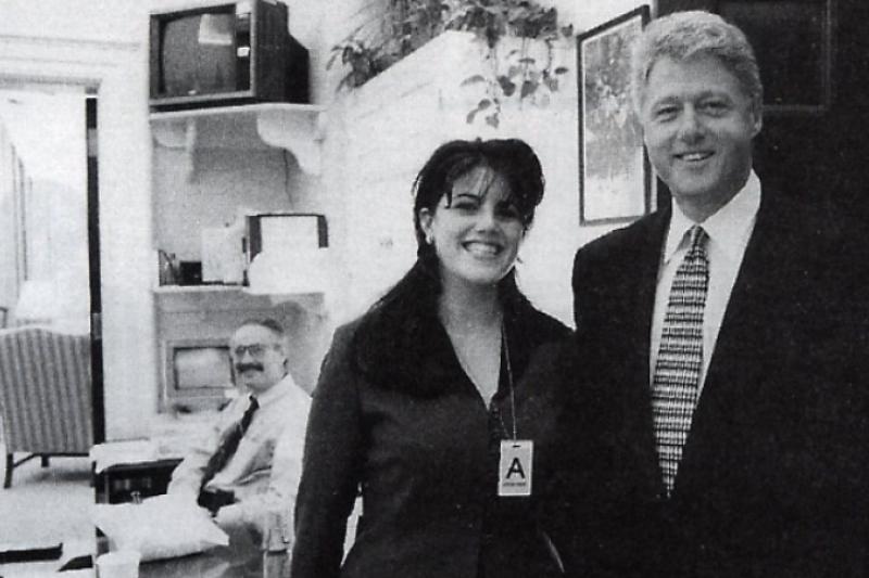 1995年的柯林頓總統與陸文斯基(Monica Lewinsky)(AP)