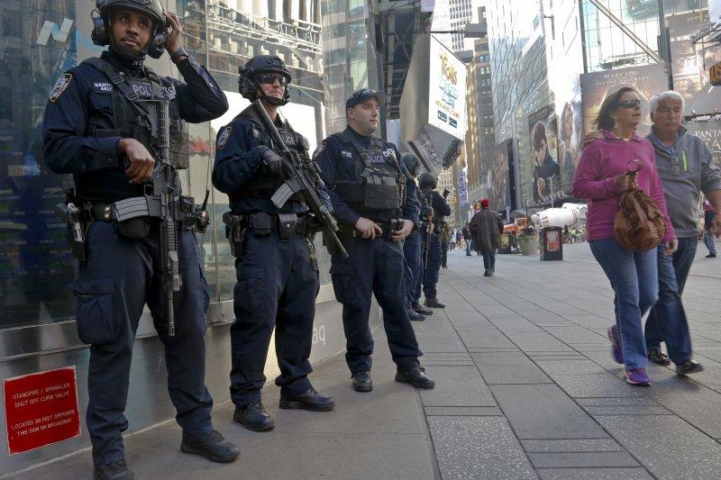 美國大選倒數4天,情報卻指出恐怖組織「基地」可能發動恐攻。(美聯社)