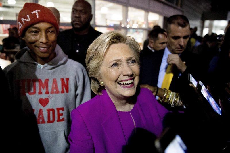 民主黨總統候選人希拉蕊提出免學貸政策(美聯社)