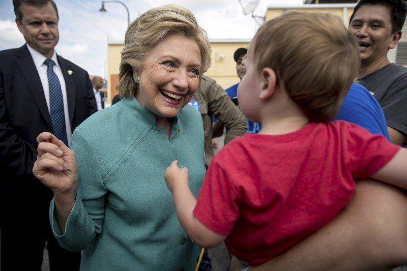 美國總統大選民主黨候選人希拉蕊5日在佛羅里達州造勢(AP)