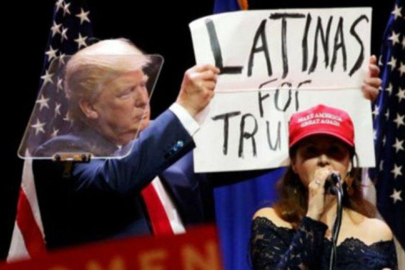 川普呼籲拉丁裔選民支持他。(BBC中文網)