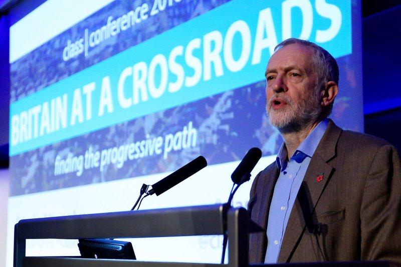 前工黨領袖柯賓曾說會挑戰「脫歐底線」,但不會挑戰公投結果(美聯社)