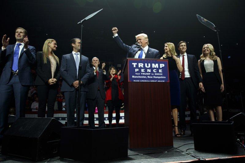 美國共和黨總統候選人川普於投票前1天在新罕布夏州造勢(美聯社)