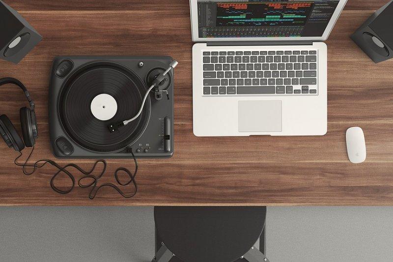 音樂的療癒效果已經經實驗證實,快看看專家推薦的放鬆歌單吧!(圖/Pixabay)