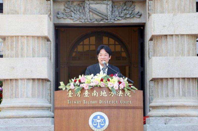 維冠大樓倒塌案判決出爐,台南市長賴清德質疑法官判決。(圖為在台南地方法院前/資料照/台南市政府提供)