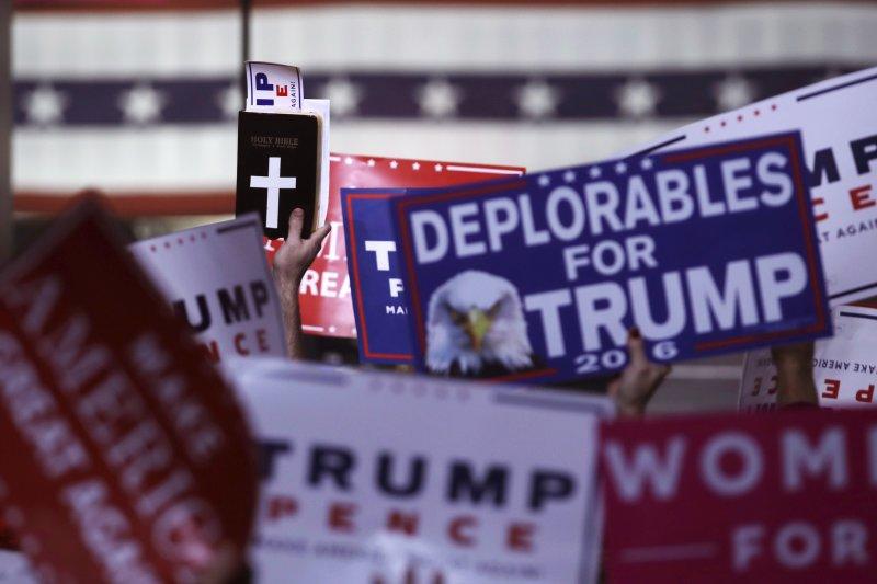 2016美國總統大選,直到最後一天的選情依然緊繃。(美聯社)