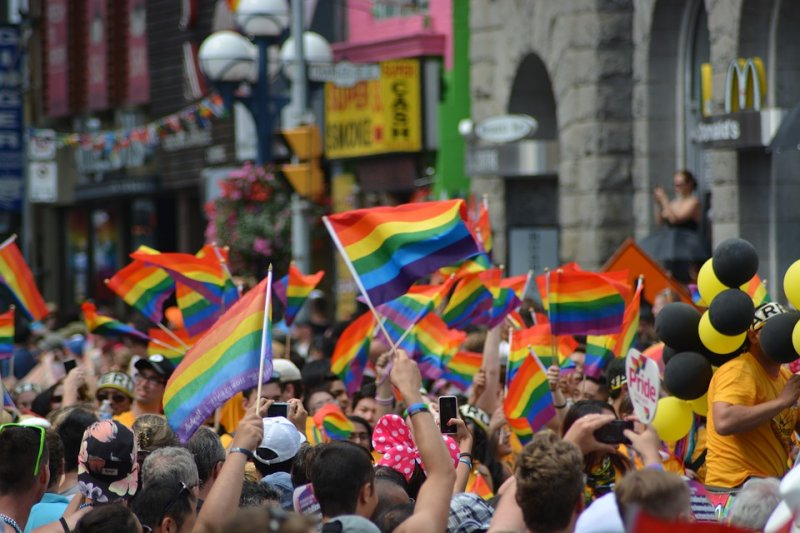 同志家長表示,同志無所不在,請大家一起支持多元成家,讓社會更美好。(圖/naeimasgary@pixabay)