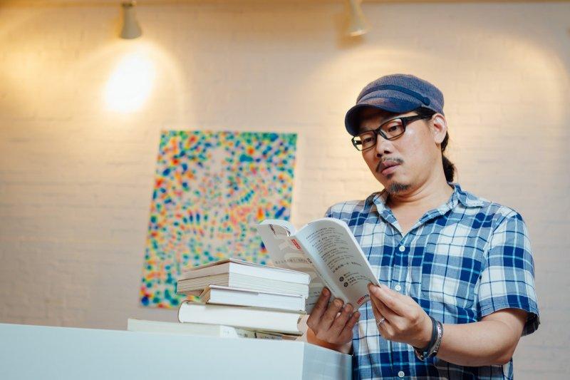 方文山透過閱讀建立更充實的自我。(圖/天下文化提供)