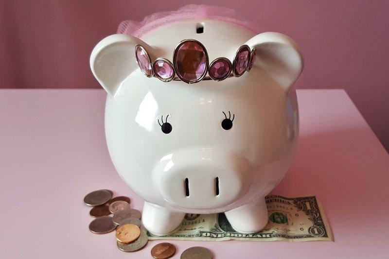 養成儲蓄習慣其實就是品格訓練。(圖/Brett_Hondow@pixabay)