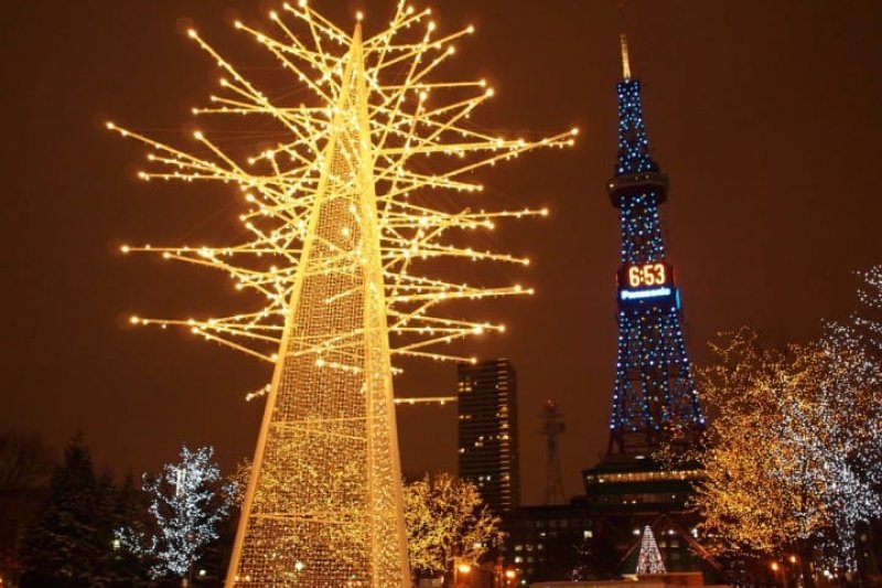 冬天和心儀的另一伴北海道出遊,必去札幌白色燈樹節!(圖/MATCHA提供)