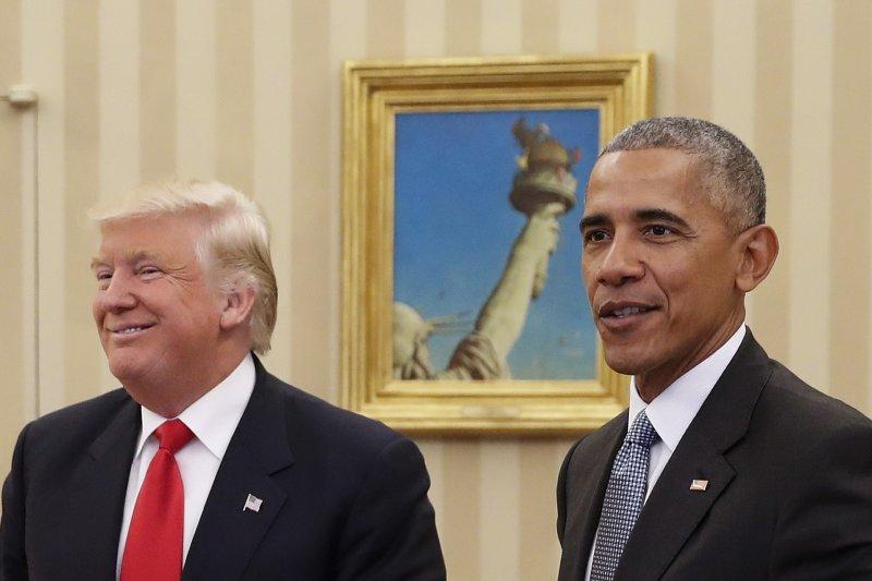 美國總統當選人川普(左)進白宮,與現任總統歐巴馬(右)首度會面(美聯社)