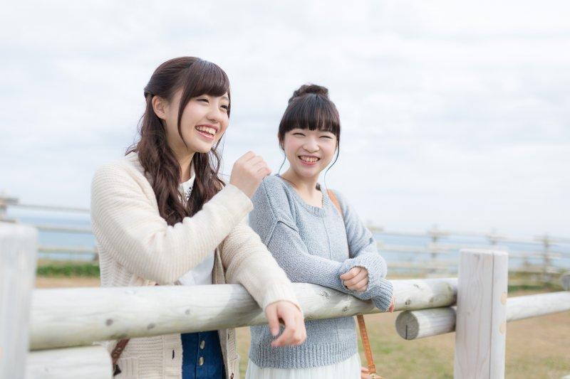 總是膩在一起的,才是真正的「朋友」嗎?(圖/河村友歌、渡辺友美子@PAKUTASO)