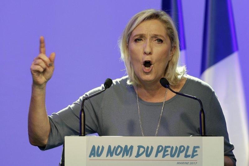 法國極右派政黨「民族陣線」黨主席勒潘揚言,如果當選,她將辦法國脫歐公投。(美聯社)