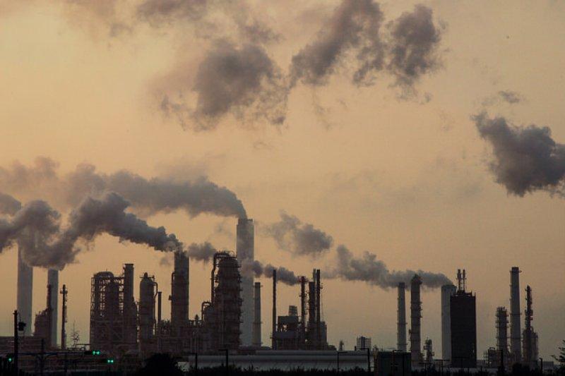 我們真的要為了經濟發展,犧牲我們的土地與天空?(圖/Wenbin Qian@flickr,想想論壇提供)