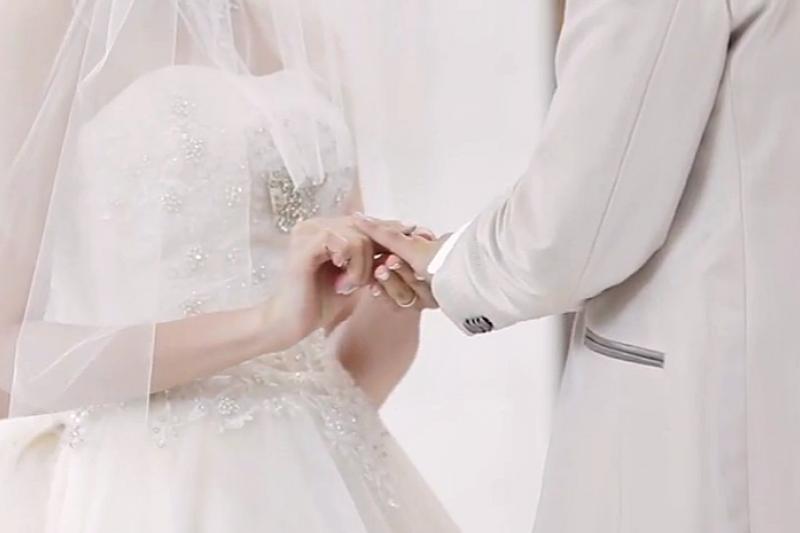 隨著婚姻賞味期越變越短,傳統俗諺「7年之癢」恐縮短成「5年之癢」。(資料照,取自YouTube)