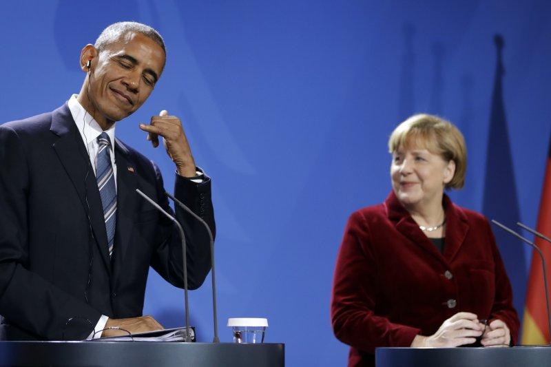 美國總統歐巴馬任內最後出訪17日來到德國,會見德國總理梅克爾(AP)