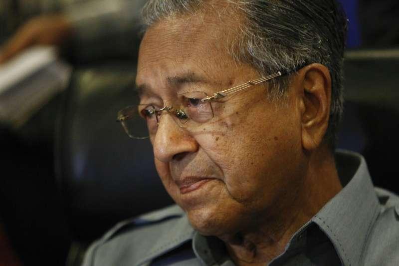 馬來西亞前總理馬哈地(Mahathir Mohamad)捲土重來,欲挑戰總理納吉的大位。(AP)