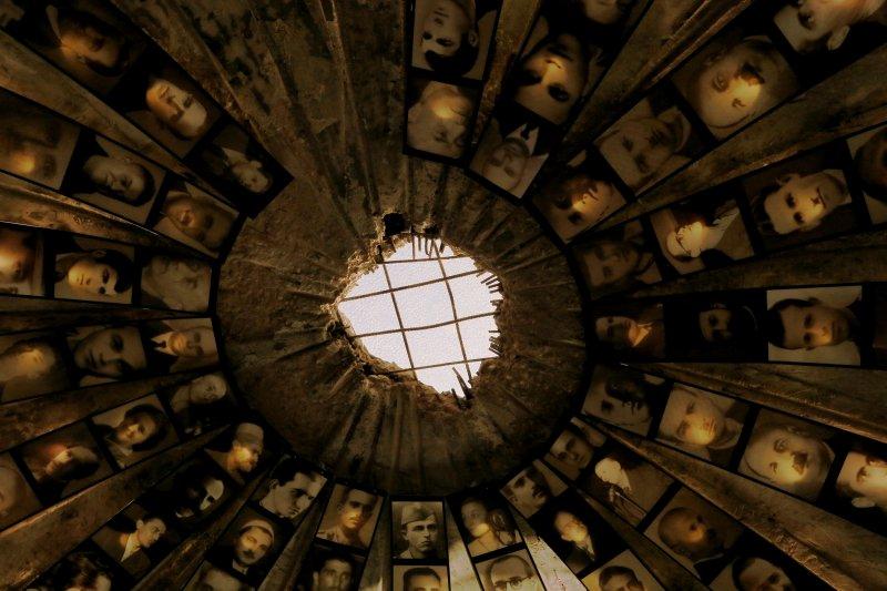 東歐國家阿爾巴尼亞把冷戰時期的核彈掩體,改造為紀念受共產黨迫害者的博物館。(AP)