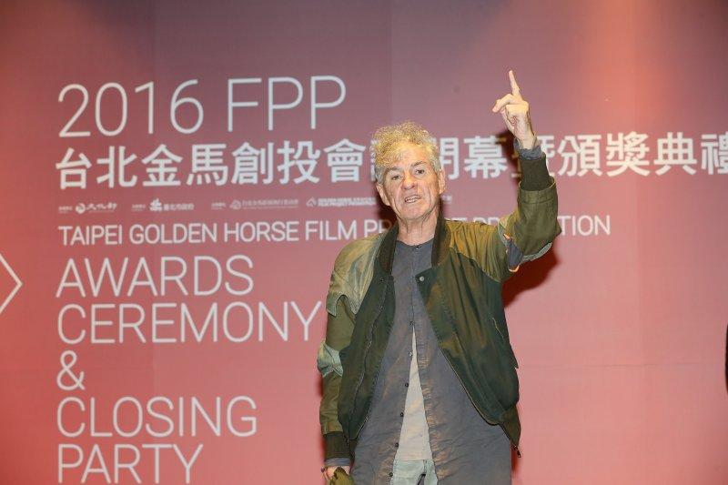 知名香港電影人杜可風以《白色女孩》獲獎,於頒獎舞台上熱情發表感言。(攝影 / Bruce Lee)
