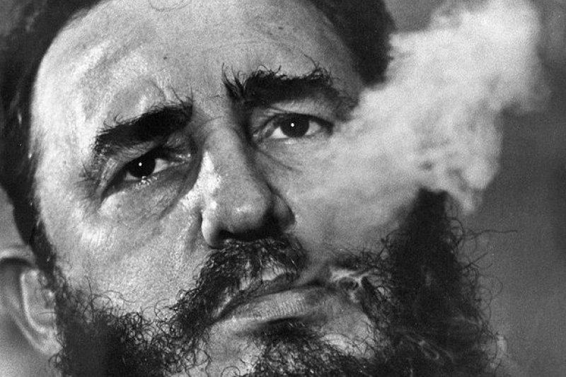 古巴傳奇革命領導人卡斯楚逝世,享壽90歲。(AP)