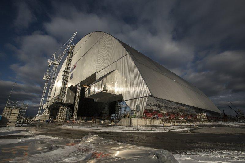 車諾比核災過去30年,歐洲造全球最大金屬棚隔絕核汙。(美聯社)