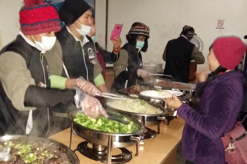 作家劉克襄在2日臉書發文,表示玉山主峰線提供食宿的「排雲山莊」餐點「味如嚼蠟」,引發熱議。(資料照,取自嘉義縣政府)