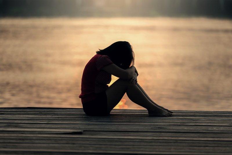 異鄉的生活,往往有著不為人知的孤獨。(圖/sasint@pixabay)