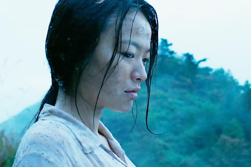 韓國電影《哭聲》引人入勝的劇情,受到熱烈討論。(圖/愛奇藝提供)